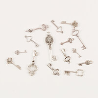 Simply Vintage Pack of Tibetan Key Charms-437511