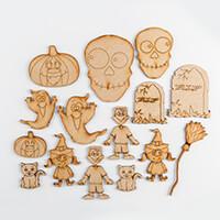 Karacter Krafts 15 x Mini MDF Halloween Characters-810126